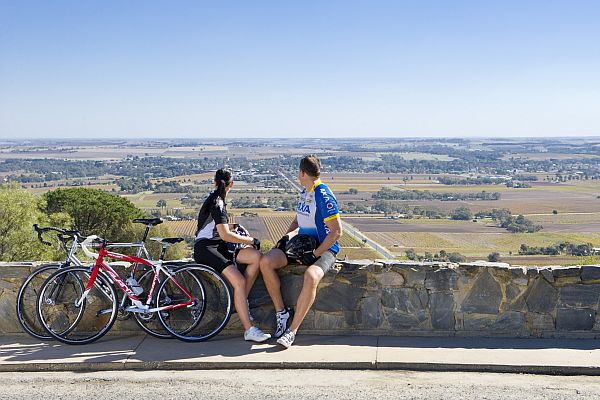 Cyclists - Mengler Hill Lookout